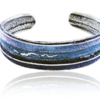 pulsera rigida en plata y pigmentos en tonos azules