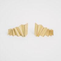 Pendiente en plata dorada omega forma origami